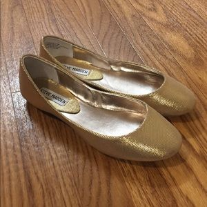 NWOT Steve Madden Gold Glitter Flats